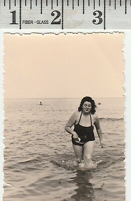 Vintage Photo Woman in swimsuit in the water pretty   #928