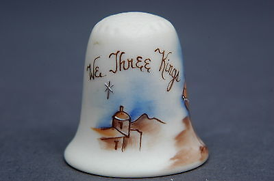 Heirloon Editions USA 'We Three Kings 1983' Signed Bisque Thimble B/44