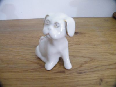 The Coronet Ware crested china Large dog. OKEHAMPTON. Good Condition.
