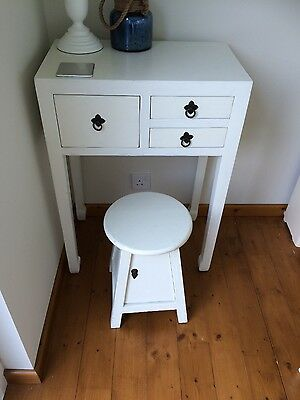 Drawer unit and stool