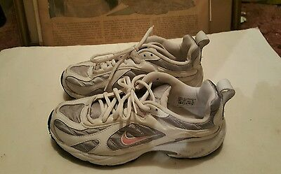 Nike BRS 1000 Womens Size 9 Athletic Shoes Pink White Gray