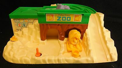 1984 Fisher Price Zoo Playset #916 Replacement Part Base Only Good Condition