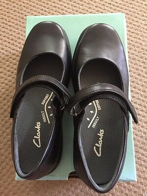Clarks Mary Jane School Shoes Size 7F/41