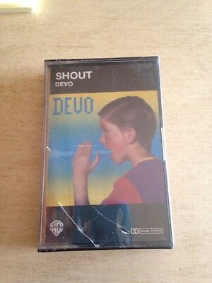Devo - Shout MC Tape  Sigillata Sealed 9250974 Custodia Danneggiata Come Da Foto
