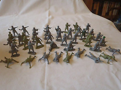 Airfix, plastic, 1/32 scale American World war 2 Paratrooper toy soldiers.