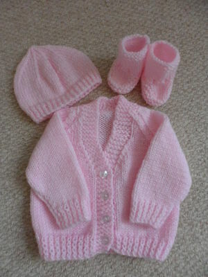Hand Knitted Pink Prem/New Baby/16in Chest Cardigan and Booties and Hat