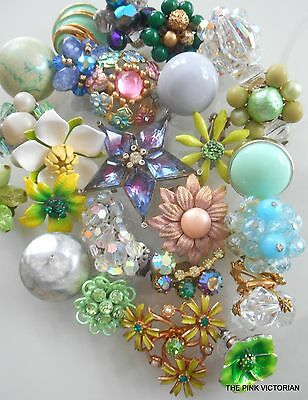 Vintage JEWELRY (25) pc earrings SINGLES signed VARIETY LOT#19 **FREE SHIPPING**