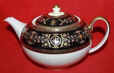 Prestige Wedgwood & Bentley ~ Black Astbury ~  Teapot ~ First Quality.