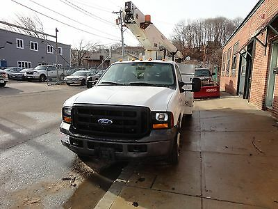 2006 Ford F-350 Superduty Certified  Bucket/ Boom Truck 96 K Miles With  A/c