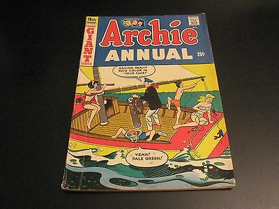 Selling ARCHIE Collection! Look--  ARCHIE ANNUAL, GIANT SERIES #18 (FN/FN-)