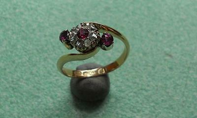 VINTAGE RUBY & DIAMOND CROSSOVER 18ct GOLD RING
