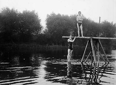 PHOTOGRAPHIC GLASS NEGATIVE VICTORIAN YORKSHIRE c1895 SWIMMERS
