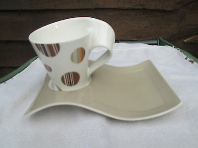 Villeroy & boch New wave mug and tray Beige tray with white mug with spots on