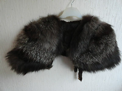 VINTAGE - REAL FUR - SILVER FOX FUR STOLE - SHAPED SHOULDERS - CIRCA 1920's/30's
