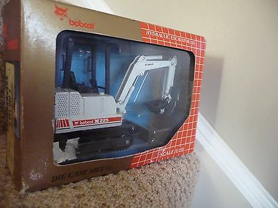 Bobcat X225 Excavator Tracked Diecast Collector Scale 1.25 Model Melroe Rare