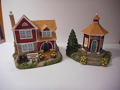 Liberty Falls Americana Collection 1999 Riverside Lodge Bath House