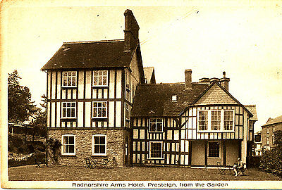 RADNORSHIRE - Postcard (1920/30s ?) of Radnorshire Arms Hotel, Presteign.