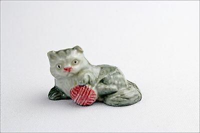 Vintage Wade Whimsies Kitten with Yarn - Porcelain Animal Figurine - Collectable