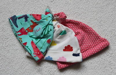 ***BNWT Next baby girl Dino 3 pack knot hats 3-6 months***