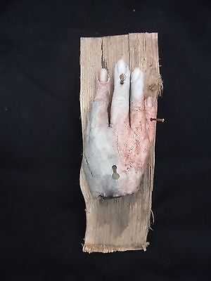 HAND OF GLORY SUPER LIFE LIKE  sideshow gaff death blood MEDIEVAL MAGIC