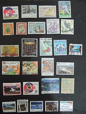 NZ - Lot 9 used and a few mint stamps