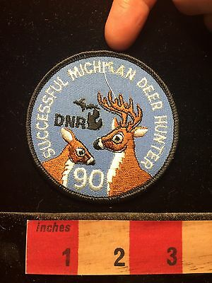 1990 Successful Michigan Deer Hunter BAD STITCH SEE FINGER POINT Patch 60OO
