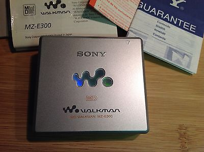 SONY SILVER MD WALKMAN MZ-E300 With Earphones Boxed
