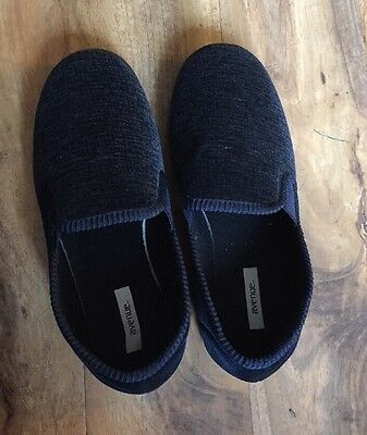 Avenue Size 8 Men's Slippers