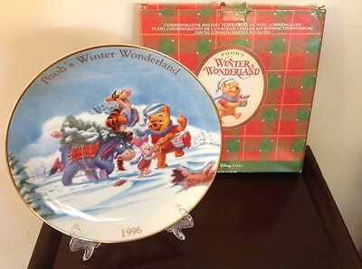 """DISNEYANA - Collectible Plate, """"Pooh's Winter Wonderland"""" With Ornament Stand"""