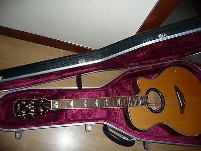 Yamaha APX900 electro acoustic guitar with Yamaha hard case