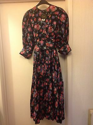 Vintage Droopy And Brown Dress Size 10