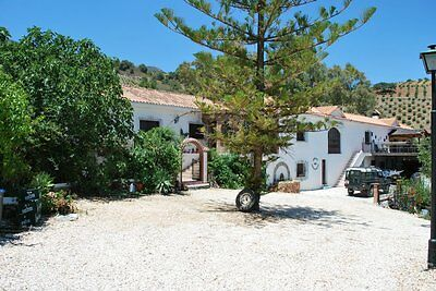 Beautiful large family spanish farmhouse for sale. Rents out at £3000 per week.