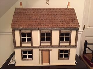 Collector's Dolls House Tudor Style - Part-finished Project 1:12 Scale