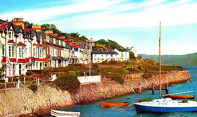 MERIONETHSHIRE - 1960/70s Postcard of Penhelig, Aberdovey