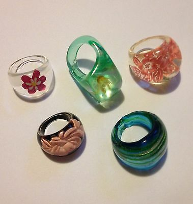 Vintage Lucite And 1 Glass Ring 5 Piece Lot