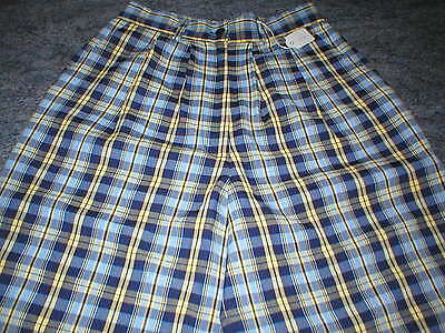 """B NEW Ladies Daily Sports golf shorts size Small - about 26"""" waist"""