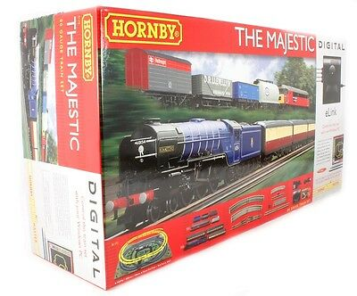 Hornby The Majestic Train Set