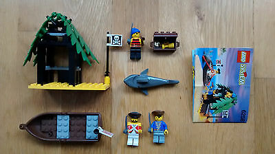 Lego Pirates 6258 Smuglers Shanty with instructions