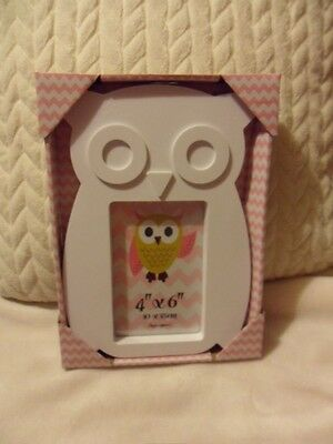 Very Cute White Acrylic Owl Photo Frame from Funky Pics! Size 4 x 6. New.