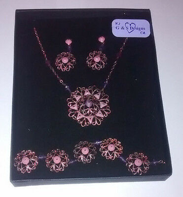 Boxed Costume Jewellery Gift Set: Necklace, Bracelet & Earrings - Floral Design