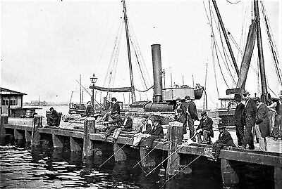 PHOTOGRAPHIC GLASS NEGATIVE FISHING ON HARBOUR JETTY c1895 (MILKY IMAGE) SUPERB!