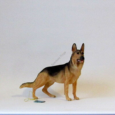Dog figurine. German Shepherd.