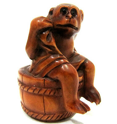 "Y3870 - 2"" Hand Carved Boxwood Netsuke Carving Figurine - Cute and Smart Monkey"