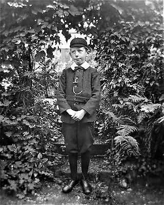 PHOTOGRAPHIC GLASS NEGATIVE CROMER NORFOLK c1895 'AS IF I WOULD' INNOCENT BOY!