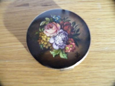 VINTAGE STRATTON POWDER COMPACT WITH FLOWERS,Hand Painted in Oils
