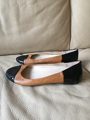 Ladies Anne Klein Leather Flat Shoes Size 6/39