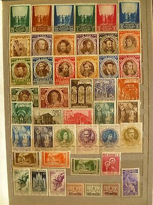 Vatican, old valuable stamp collection, including several complete sets.