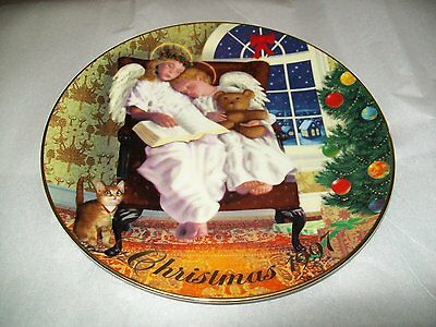 """1997 """"HEAVENLY DREAMS"""" AVON BY MICHAEL GARLAND CHRISTMAS PLATE New in Box"""
