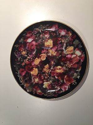 Summer's Bounty collector's plate, from the Rose Wreaths collection