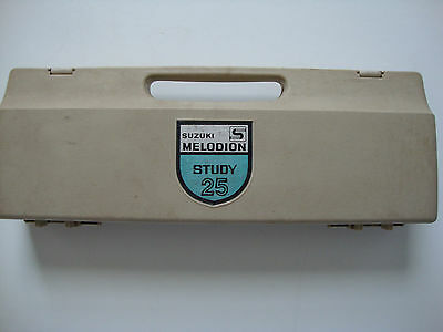 Suzuki Melodian Study 25 C/w Extra Mouthpieces Tube Hard Case Used